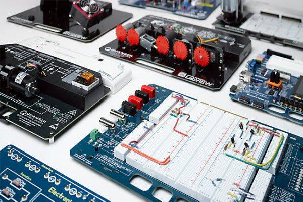 "<span itemprop=""name"">سوالات استخدامی مهندسی برق – الکترونیک ، کنترل و ابزار دقیق شرکت پارس فنل</span>"
